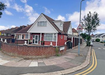Thumbnail 3 bed detached bungalow for sale in Stradbroke Grove, Ilford, Essex