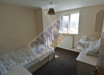 Thumbnail 4 bed flat to rent in Hyde Park Road, Leeds, West Yorkshire