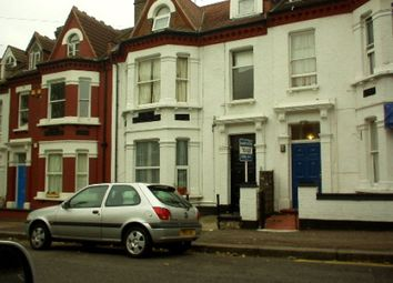 Thumbnail 1 bedroom flat to rent in Marine Avenue, Westcliff-On-Sea