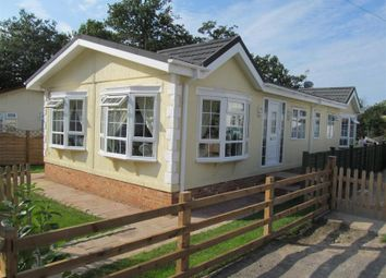 Thumbnail Mobile/park home for sale in Warfield Street, Warfield, Bracknell