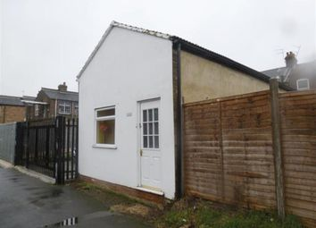 Thumbnail 1 bed detached bungalow to rent in Frederick Street, Luton