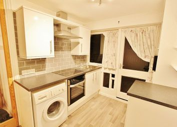 Thumbnail 1 bed flat to rent in Epping
