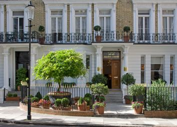 Thumbnail 3 bed flat to rent in Beaufort House, Knightsbridge