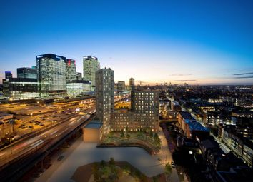 Thumbnail 2 bedroom flat for sale in Manhattan Plaza, Manhattan Tower, Canary Wharf, London