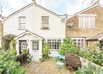 Thumbnail 2 bed property to rent in St. Leonards Square, Surbiton