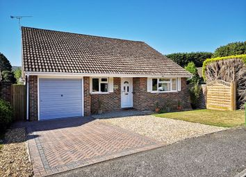 Hormare Crescent, Storrington, Pulborough RH20. 3 bed detached bungalow