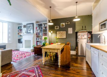 Thumbnail 3 bed flat for sale in Essex Road, Islington