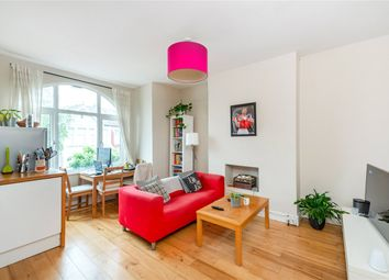 3 bed maisonette to rent in Nimrod Road, London SW16