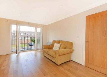 Thumbnail 2 bed flat to rent in The Retreat, Surbiton