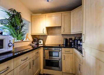 2 bed maisonette to rent in Bushwood Drive, Bermondsey, London SE1