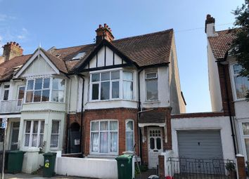Thumbnail 3 bed flat to rent in Lyndhurst Road, Hove