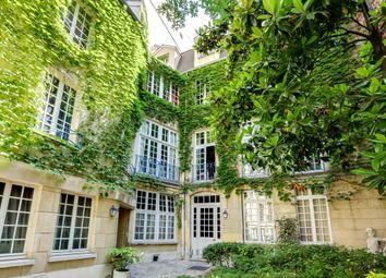 Thumbnail Apartment for sale in 4th Arrondissement, Paris, France