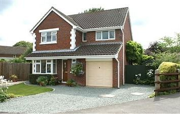 Thumbnail 4 bed detached house to rent in Springfields Close, Colden Common, Winchester