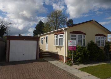 Thumbnail 2 bed mobile/park home for sale in Priory Road, Ruskington, Sleaford
