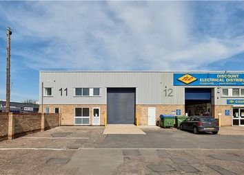 Thumbnail Warehouse to let in Clifton Road Industrial Estate, Cambridge