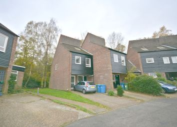 Thumbnail 3 bed town house to rent in Northcott, Bracknell