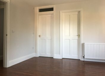 2 bed property to rent in Linkfield Street, Redhill RH1