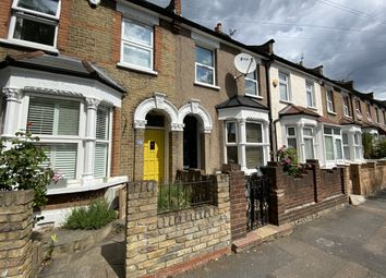 3 bed semi-detached house to rent in Melbourne Road, Walthamstow E17