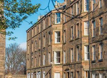 Thumbnail 2 bed maisonette to rent in Saxe Coburg Street, Edinburgh