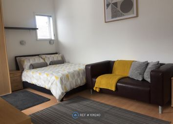 Room to rent in High Lane, Stoke On Trent ST6