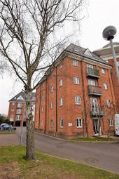 Thumbnail 2 bedroom flat to rent in Hardie's Point, Colchester