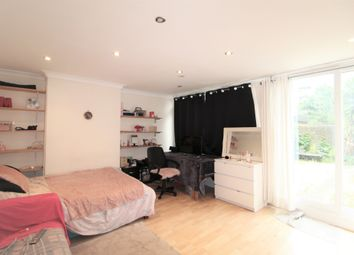 Falmouth Road, London SE1. 4 bed flat
