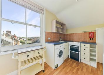 1 bed flat to rent in Hatchlands Road, Redhill RH1