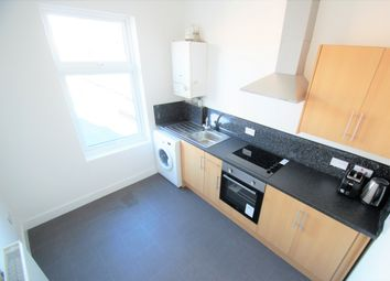 2 bed flat to rent in Clay Lane, Coventry CV2