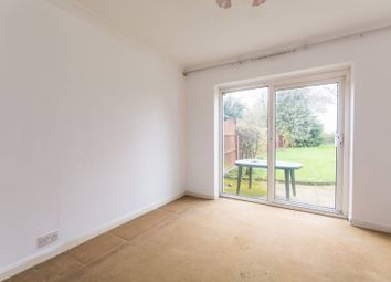 3 bed property for sale in Newlands Close, Wembley HA0