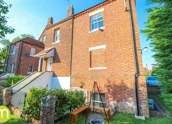 Queen's Road, Colchester CO3. 3 bed town house