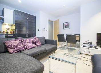 Thumbnail Flat to rent in Province Square, Streamlight Tower, Canary Wharf