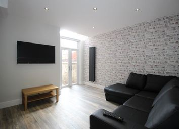 Thumbnail 5 bed property to rent in Hall Grove, Manchester