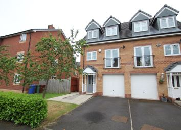 4 bed town house to rent in Worcester Avenue, Wythenshawe, Manchester M23