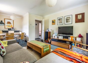 2 bed maisonette to rent in Plough Road, London SW11