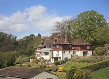 Thumbnail 6 bed detached house to rent in Pains Hill, Oxted