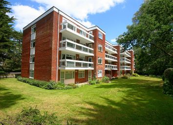 Brackens Way, Martello Road South, Canford Cliffs, Poole BH13. 3 bed flat