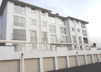 Thumbnail 2 bed flat to rent in Furzehill Road, Torquay