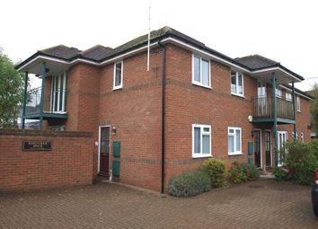 Thumbnail 2 bedroom flat to rent in Dedmere Road, Marlow