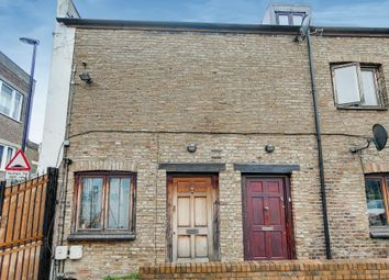 Tanners Mews, Deptford SE8. 2 bed end terrace house