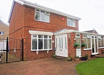 Thumbnail 4 bedroom detached house for sale in Hollytree Avenue, Hull