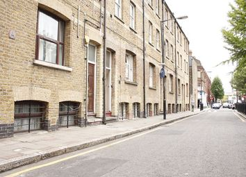 Thumbnail 3 bed flat to rent in Settles Street, Whitechapel