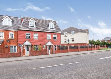 Avro Court, Hamble, Southampton SO31. 3 bed town house