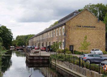 Summerhouse Lane, Harefield, Uxbridge UB9. 2 bed flat
