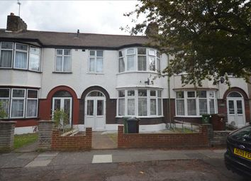 3 bed terraced house to rent in Lyndhurst Gardens, Barking IG11