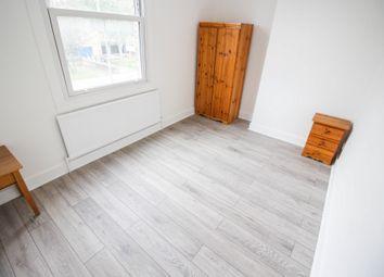 Thumbnail 3 bed flat to rent in Amhurst Road, Hackney