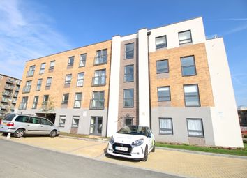 Thumbnail 2 bed flat to rent in Princes Avenue, Welwyn Garden City