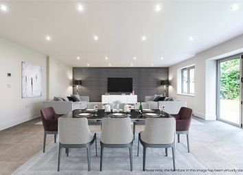 Thumbnail 5 bedroom detached house for sale in Bassett Green Road, Southampton, Hampshire