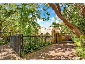 Thumbnail 2 bed property for sale in 3252 Gifford Ln, Miami, Florida, United States Of America