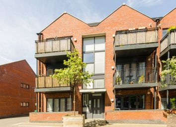 Thumbnail 2 bed flat for sale in Leverton Close, Wood Green