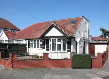 2 bed detached house to rent in Uppingham Avenue, Stanmore HA7